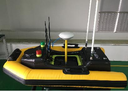 船身周围耐磨耐撕橡胶组成的气囊,有效保护船只